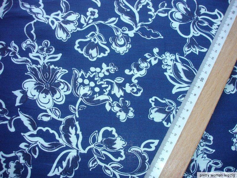 1 laufmeter baumwollstoff 2 93 m blau wei e blumen kc37 ebay. Black Bedroom Furniture Sets. Home Design Ideas