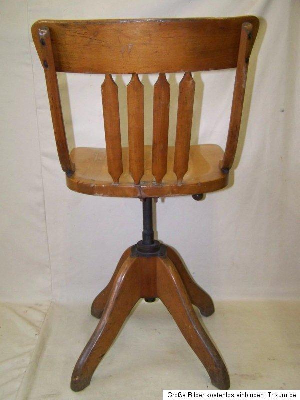 alter holz werkstattstuhl designer b rostuhl vintage. Black Bedroom Furniture Sets. Home Design Ideas
