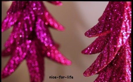 2x lila pink weihnachtsbaum glitter glitzer tanne baum. Black Bedroom Furniture Sets. Home Design Ideas