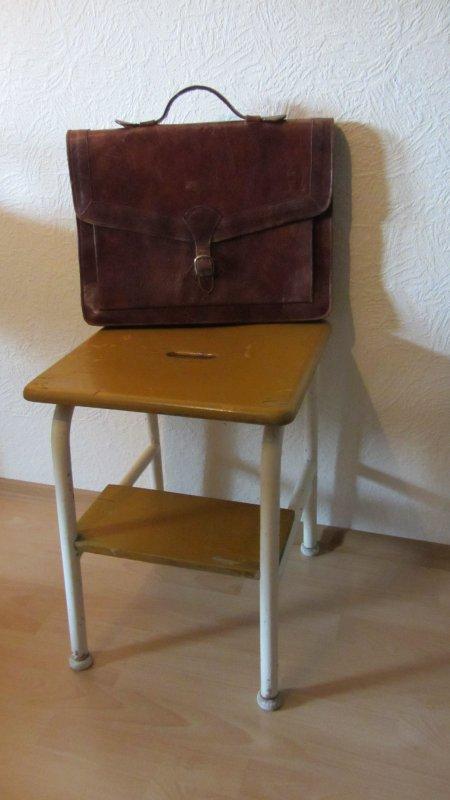 2 in 1 trittleiter hocker mit leiter funktion metall holz antik bauhaus 39 30 39 40j ebay. Black Bedroom Furniture Sets. Home Design Ideas