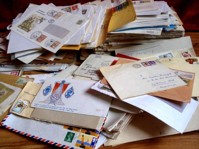 Briefe Mit Briefmarken Bekleben : Konvolut von stück briefe briefumschläge mit