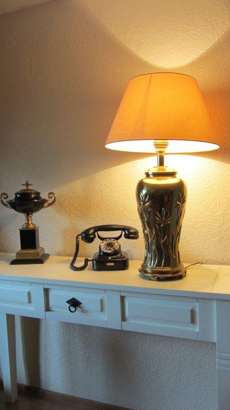 lampe leuchte messing vasenlampe tisch fensterbank 39 60er 39 70er j top seide ebay. Black Bedroom Furniture Sets. Home Design Ideas